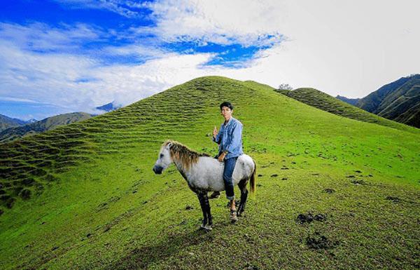Padang Rumput Savana Ollon - tempat wisata di sulawesi selatan