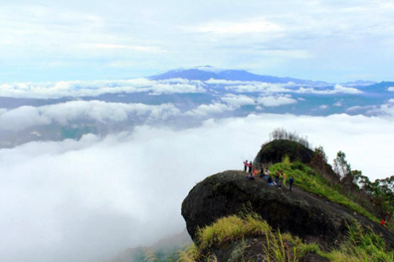 Puncak Sesean - tempat wisata di toraja - damrayani