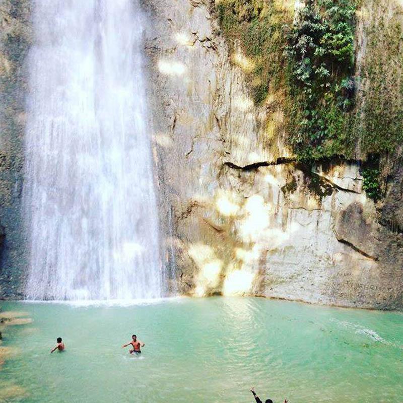 air terjun samporana - tempat wisata di Pulau Buton - @sittilindanuriman