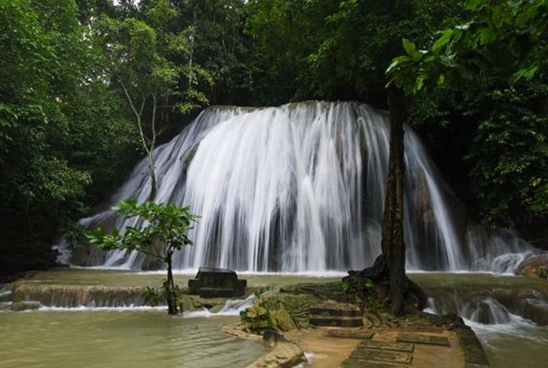 spot foto di pulau buton - sulawesi tenggara - bungi-1-1 wisatamurahindo