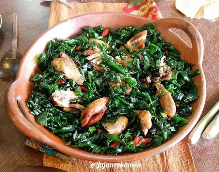 Bumbu masakan - daun salam koja - dalam menu ayam tangkap - @jajanrekomen