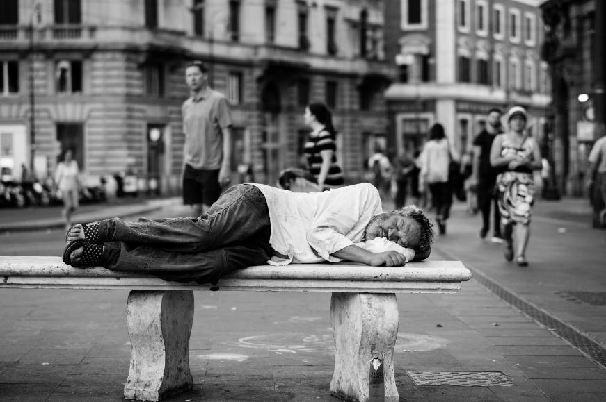 Gejala - penyebab kurangtidur - Photo by John Moeses Bauan on Unsplash