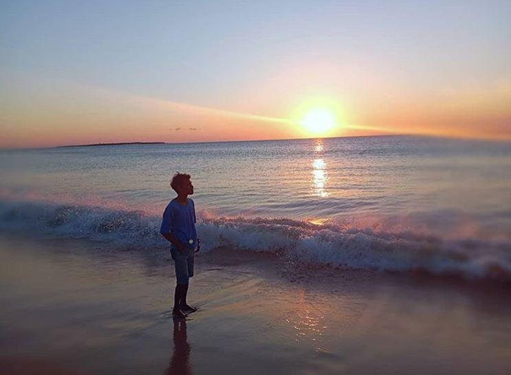 Matahari terbenam - Sunset di Pantai Liman - @xyz_endhy19