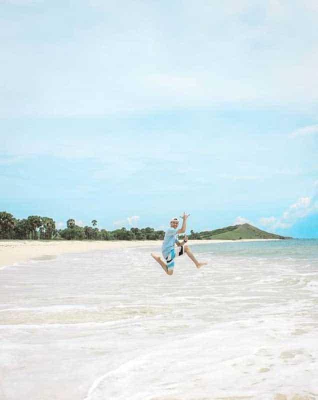 pantai yang indah - @mahfudryanto