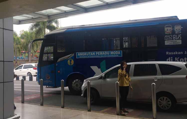Damri Bandara Makassar - Bus Damri Bandara Sultan Hasanuddin Makassar - pesonatravel