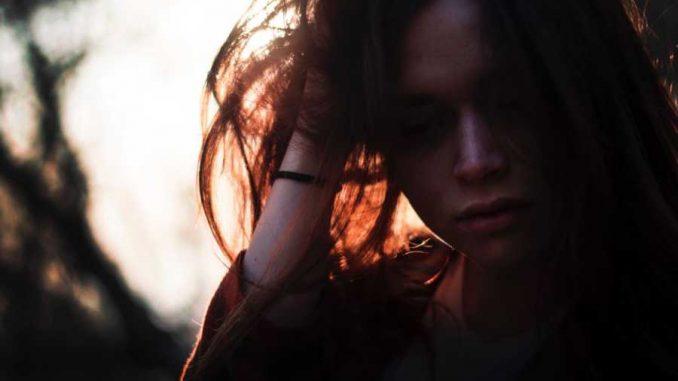 Gatal karena stress - Photo by Riccardo Mion on Unsplash