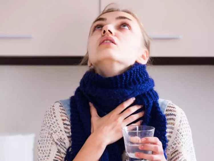 10 Manfaat Berkumur Air Garam