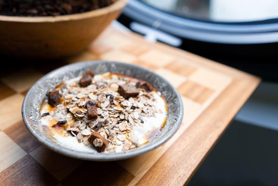 Oatmeal Gandum - Makanan yang mengenyangkan - Photo by Jane Duursma on Unsplash