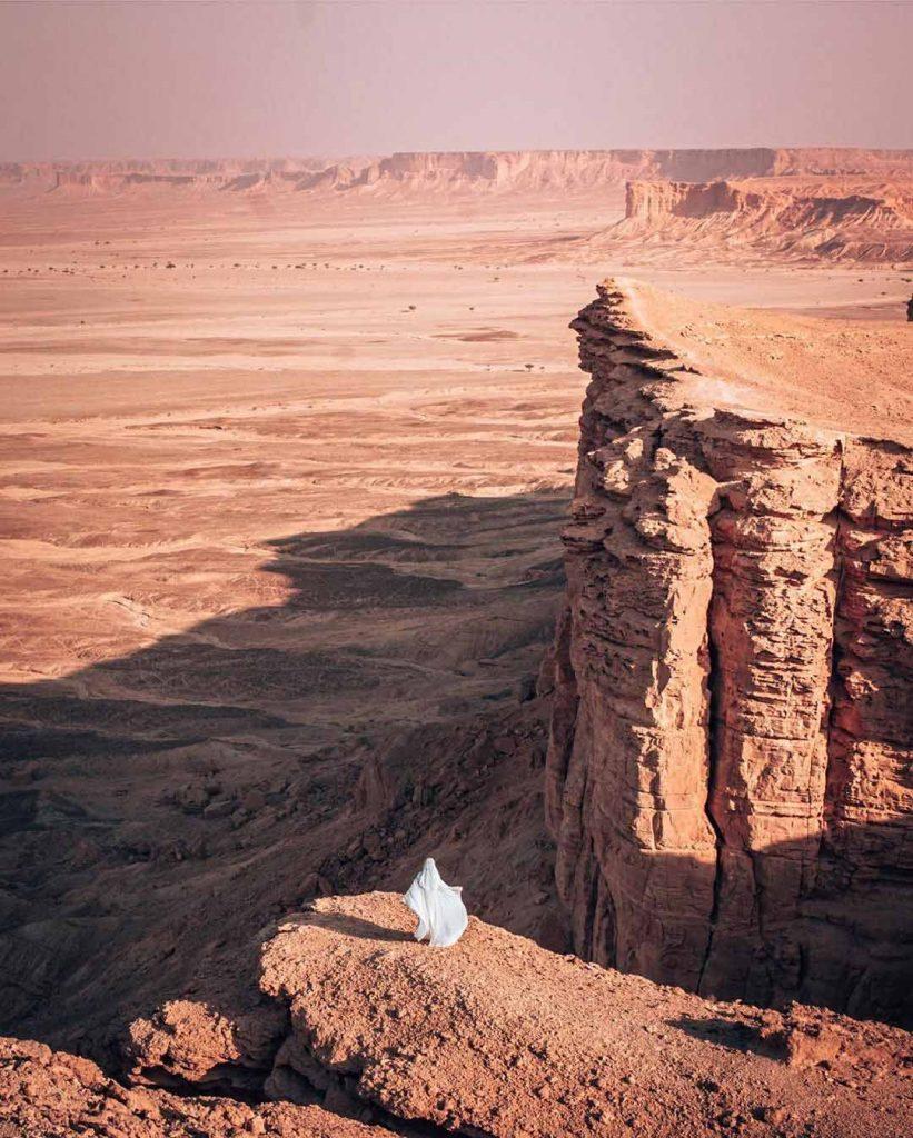 The Edge of The World Saudi Arabia - welivetoexplore