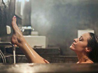sabun wangi tahan lama - rekomendasi sabun yang wanginya awet - bruce mars - Q_iJuyRdy4c - unsplash